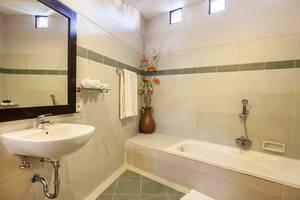 Villa Tukad Alit Bali - Bathroom