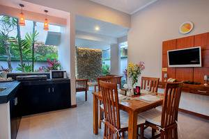 Villa Tukad Alit Bali - Kitchen and dining in two bedroom Villa