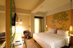 Max One Hotel Legian - Max Happiness