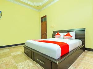 OYO 2848 Senaz Guesthouse