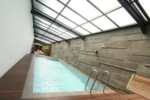 Hotel Hemangini Bandung - Kolam Renang
