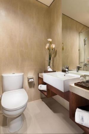 Hotel Hemangini Bandung - Superior Bathroom