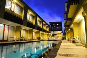 Devata Suites and Residence Bali - Night Pool View