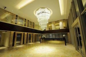 Louis Kienne Hotel Pandanaran Semarang - Lobby