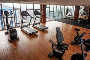 Louis Kienne Hotel Pandanaran Semarang - Gym