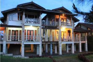 Villa Twin II Istana Bunga Lembang Bandung -
