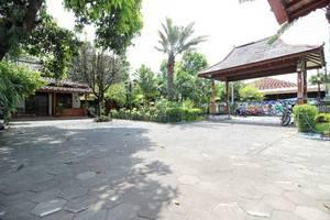 RedDoorz Plus near Alun Alun Selatan 2 Yogyakarta - Exterior