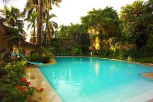 Makassar Golden Hotel Makassar - Kolam Renang
