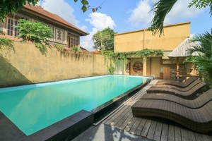 De Dalam Villa Ubud