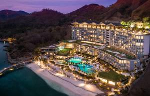 AYANA Komodo Resort, Waecicu Beach - Tampak Atas Malam Hari