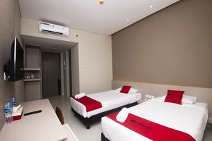 Sleepszzz Hotel Jakarta - Kamar Tamu