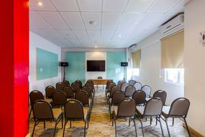 Red Planet Pekanbaru - Meeting Room