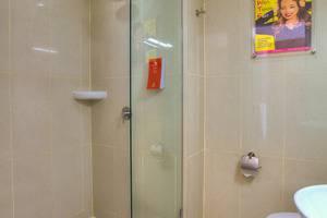 Red Planet Pekanbaru - Bath room