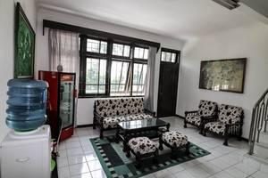 NIDA Rooms Ciawi Pakuan Istana - Ruang tamu
