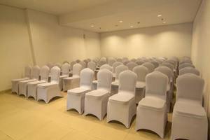 Whiz Prime Balikpapan - Meeting Room