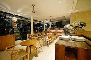 ZEN Premium Kuningan Karet Jakarta - Kafe
