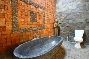 D'uma Residence Hotel Bali - Bathroom Suite Room