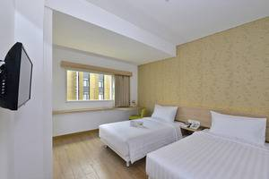Whiz Hotel Falatehan Jakarta Jakarta - Superior Twin Room