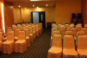 NIDA Rooms Pangeran Diponegoro 75 Kendari - Pemandangan area