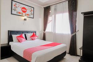 OYO 803 Toetie Hotel