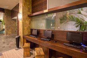 Grand Ixora Kuta Resort Bali - Pojok internet