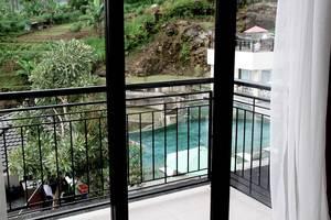 Nava Hotel Tawangmangu - Deluxe