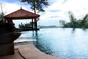 Nava Hotel Tawangmangu - Pool
