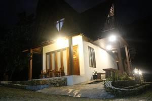 Eunike Surf Cottage Pangandaran - Exterior