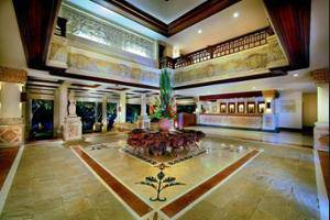 Grand Aston Bali Beach Resort - Interior Entrance