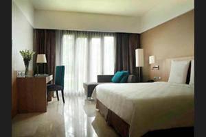 Novotel Surabaya Hotel & Suites Surabaya - Hotel Bar