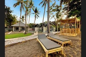 Lilin Lovina Beach Hotel Bali - Dock