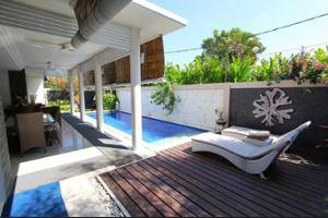 Heliconia Villa Seminyak - Featured Image