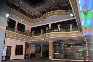 Hotel New Merdeka Jember - Tampilan depan