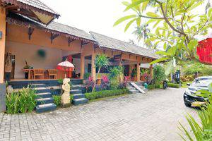 ZenRooms Lombok Raya Senggigi Lombok - Tampak luar