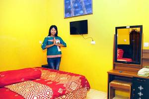 Udan Mas Guesthouse & Gallery Magelang - Room