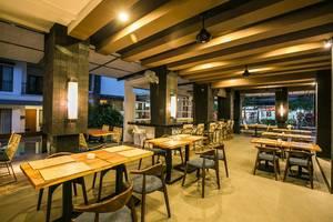 Casa Padma Suites Legian - Restaurant