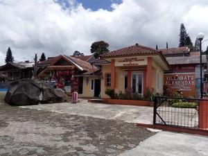 Villa Batu Alam Endah