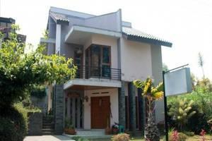 Villa Tandera Istana Bunga - Lembang Bandung