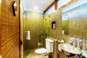 Villa Damar Bandung - Tower Suite Bathroom