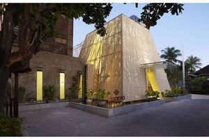 Ananta Legian Hotel Bali - Front Lobby