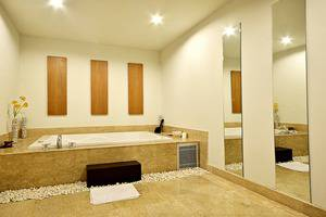 ZEN Premium Mampang Tendean Jakarta - Ruang Pijat