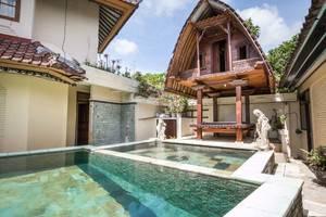 RedDoorz near Duyung Beach Sanur Bali - Kolam Renang