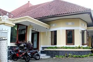 RedDoorz @Lombok Bandung - Eksterior