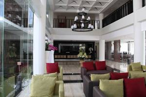 HOM Gowongan Platinum Hotel Yogyakarta - Lobi