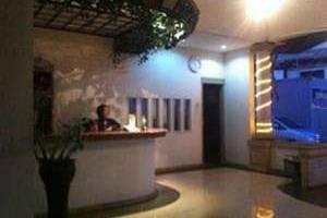 Surya Indah Hotel & Restaurant Salatiga - Resepsionis