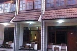 Surya Indah Hotel & Restaurant Salatiga - Tampak luar