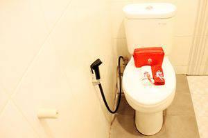 ZEN Rooms Riau Martadinata Bandung - Kamar Mandi