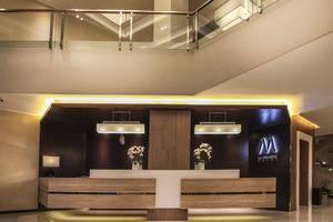 M Premiere Hotel Bandung - Receptionist
