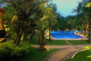 Ubud Hotel & Cottages Malang Malang - Kolam Renang