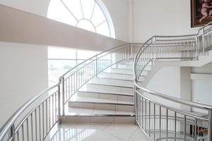 Airy Medan Baru Mataram 21 - stairs